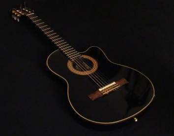 Gitar Akustik Senar Nilon