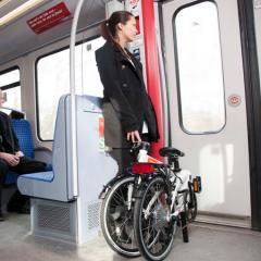 Sepeda lipat lebih praktis di kendaraan umum