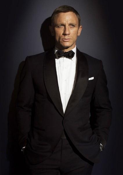 Tuxedo a la James Bond