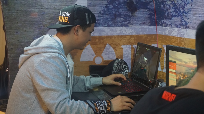 Glenn Alinskie turut meramaikan Gaming Competition #IntelGameTime 2016 di Mal Taman Anggrek 26/06/2016