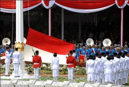 Pengibaran Sang Saka Merah-Putih di Istana Negara