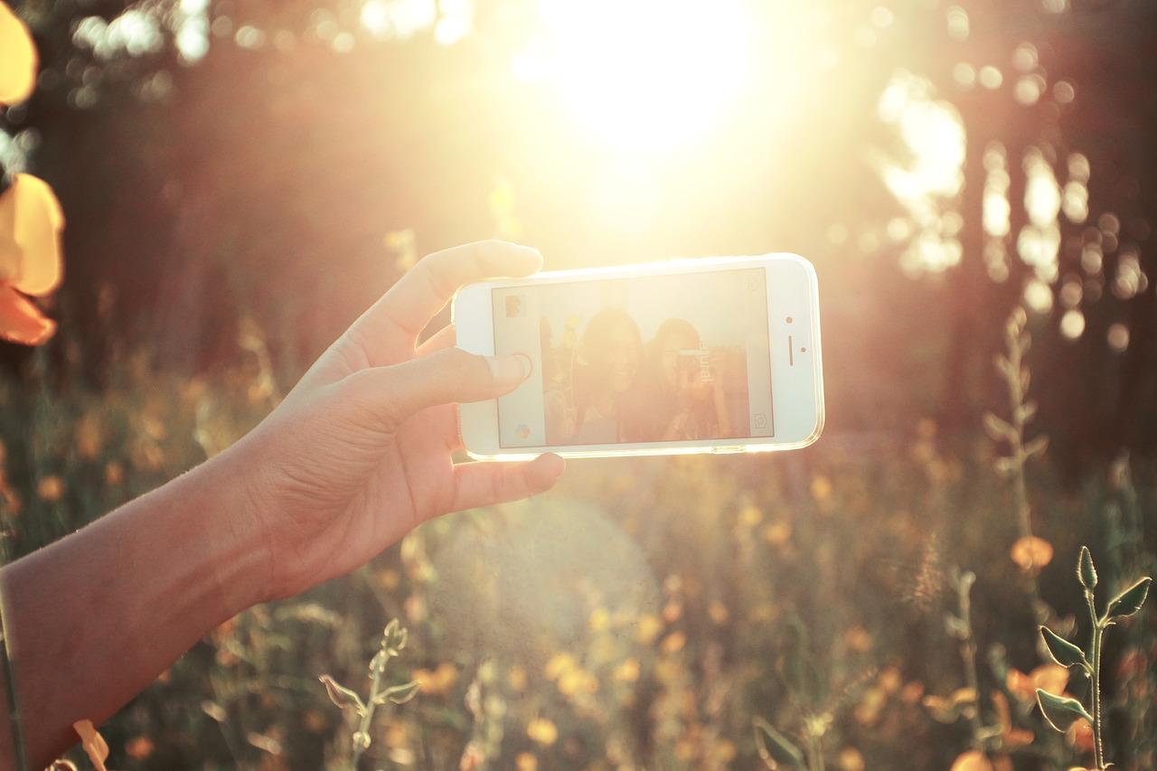 Daftar Smartphone Selfie Yang Bikin Kamu Kekinian